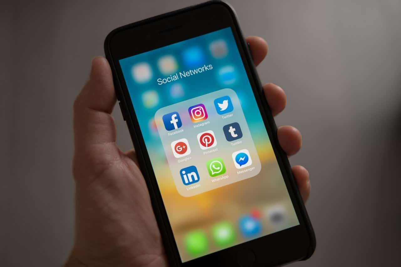 Avoiding Social Media
